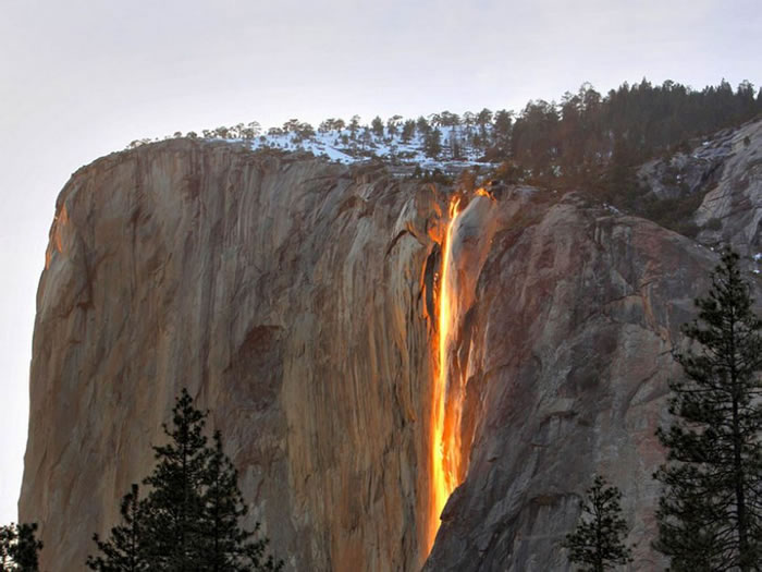 Horsetail Falls, Yosemite National Park - Beautiful World Vacations Spots To Visit Before You Die