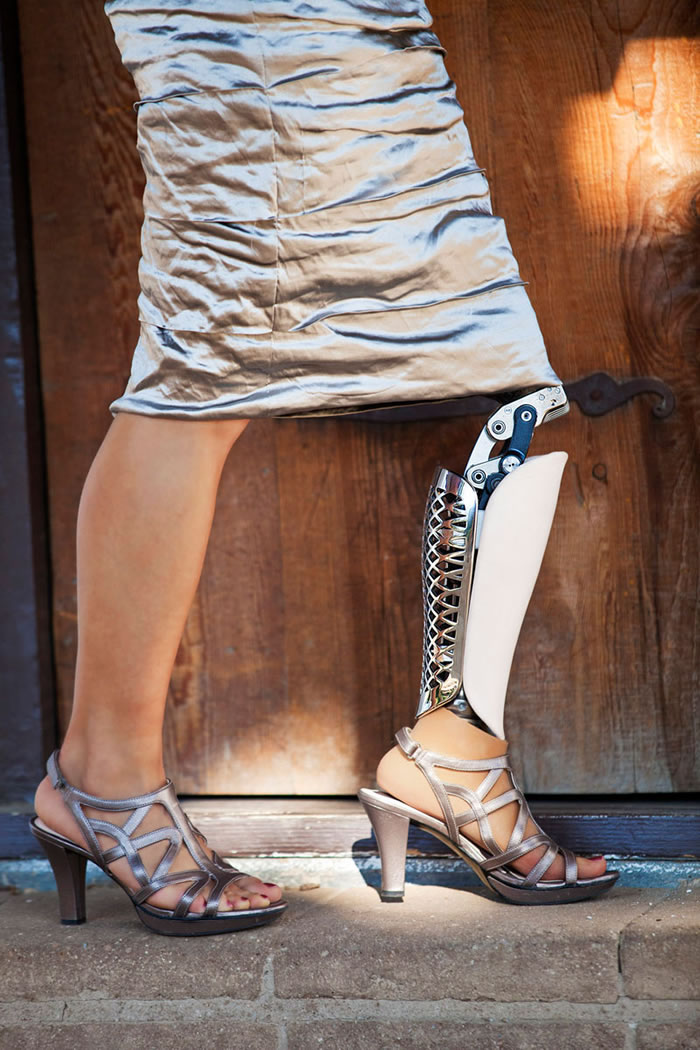 Now You Can Buy Prosthetic Leg With Real Style Appeal (5)