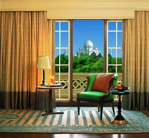 Hotel Rooms With The Most Amazing Views in The World 4