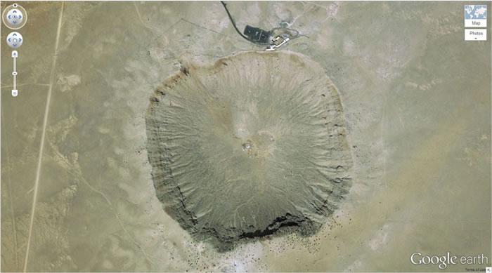 10 arizona-meteor-crater- 21 Amazing Mysterious Google Earth Satellite Images