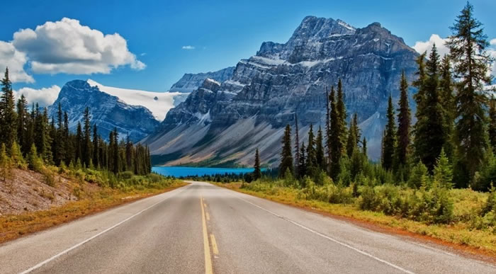 15 Of The Best Stock Photo Images Of The Stunning Bow Lake In Alberta 1