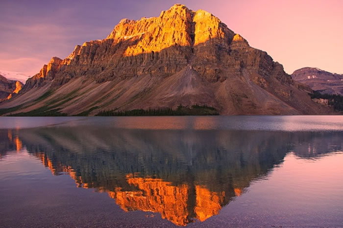 15 Of The Best Stock Photo Images Of The Stunning Bow Lake In Alberta 3