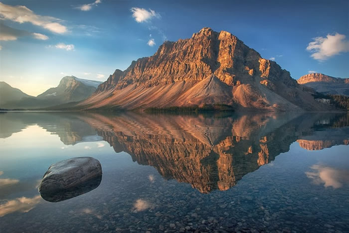 15 Of The Best Stock Photo Images Of The Stunning Bow Lake In Alberta 6