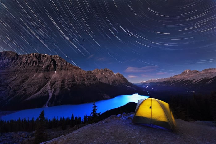 15 Of The Best Stock Photo Images Of The Stunning Bow Lake In Alberta 9