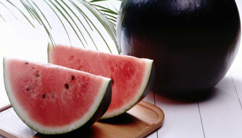 2 black-watermelon-Gourmet Gifts - Top 10 Luxury Foods In The World