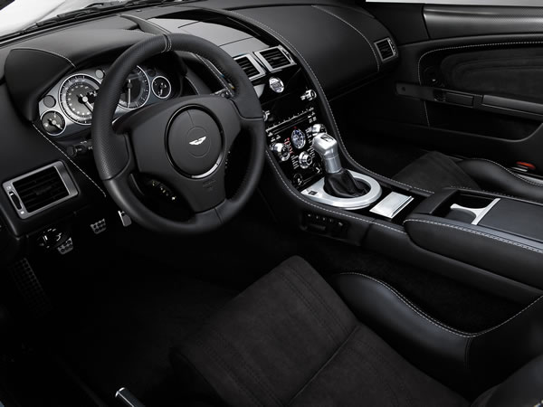 2008-Aston-Martin-DBS-Dashboard