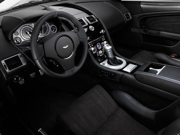 2008-Aston-Martin-DBS-Dashboard