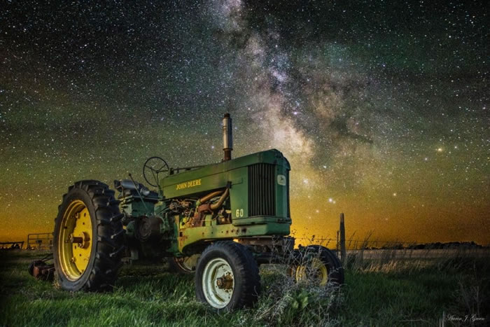 25. Farming the Rift III by Aaron J. Groen
