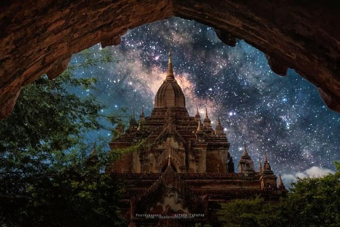 30. Bagan night by Anuparb Papapan
