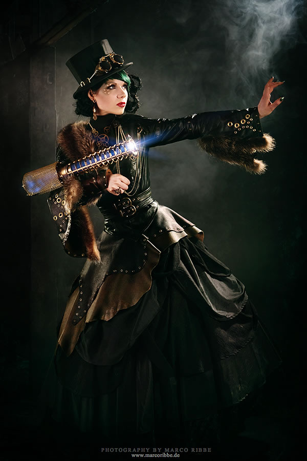50 Amazing Steampunk Outfit Ideas (33)