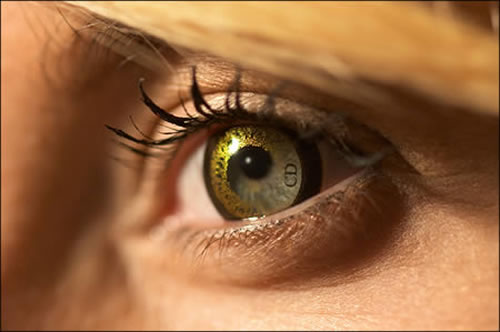 Crazy And Cool Contact Lenses That People Actually Wear 2