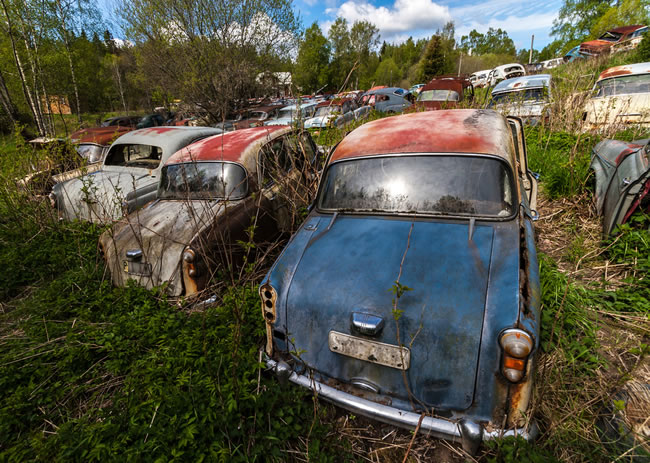 Eerie Classic Cars Graveyard At Abondaned Old Cars Junk Yard 2