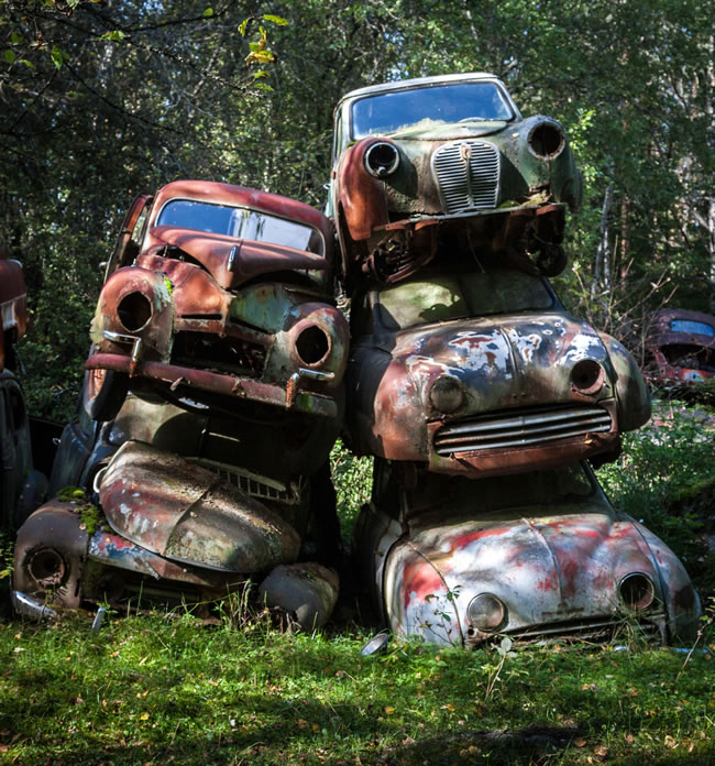 Eerie Classic Cars Graveyard At Abondaned Old Cars Junk Yard