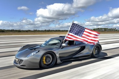 Hennessey Venom GT Beats The Bugatti Veyron Sports Car Speed Record