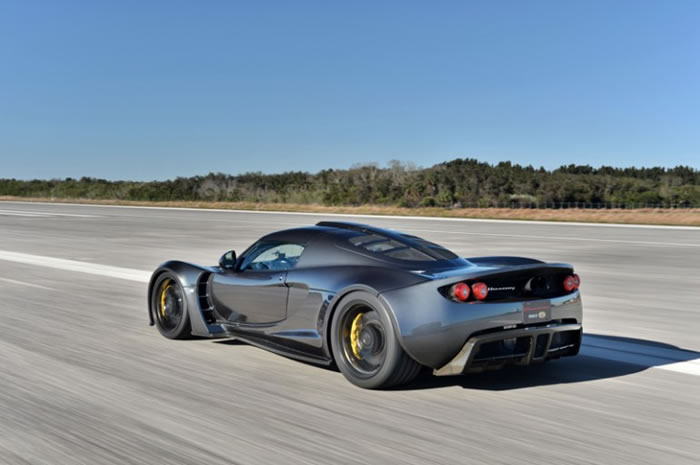 Hennessey Venom GT Beats The Bugatti Veyron Sports Car Speed Record - Bugatti Veyron Sports Car 2