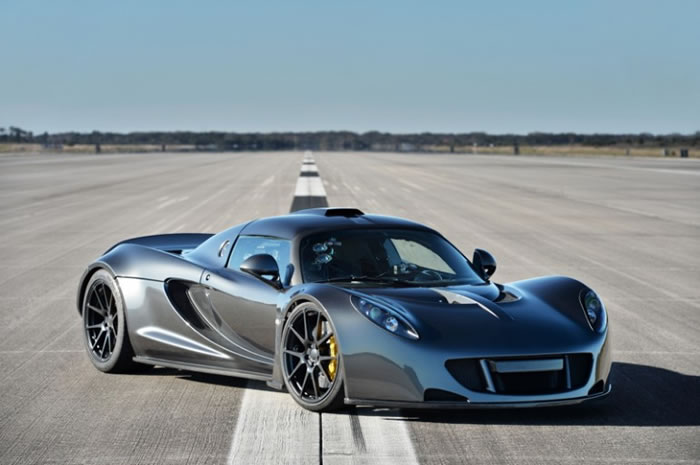 Hennessey Venom GT Beats The Bugatti Veyron Sports Car Speed Record -Bugatti Veyron Sports Car 4