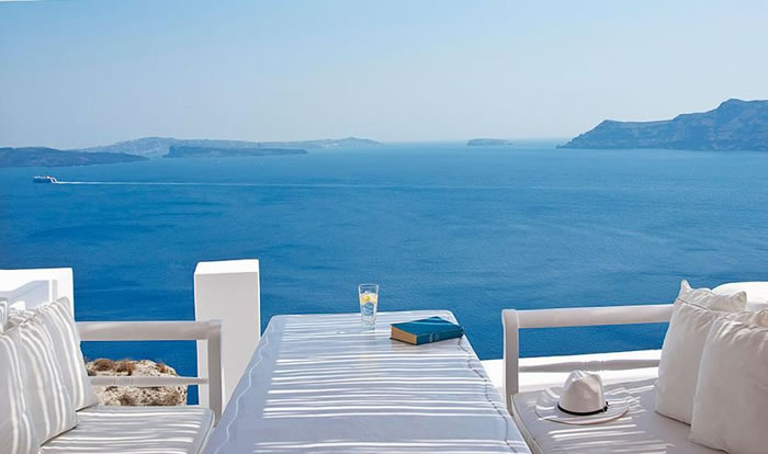 Katikies Hotel-Oia, Greece 24 Amazing Hotels You Should Visit Before You Die