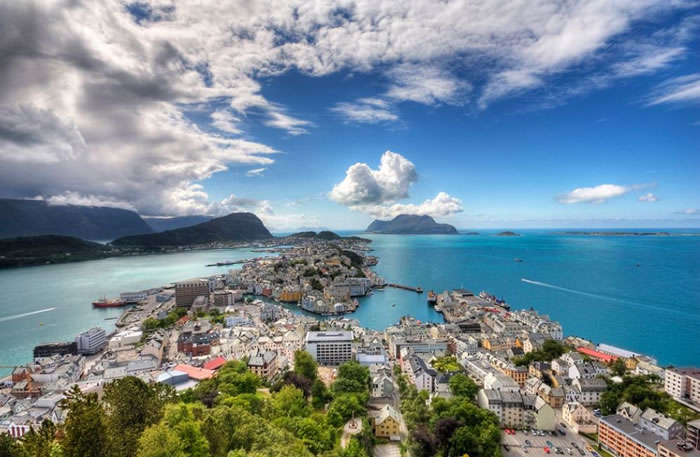 11 aalesund - 21 Reasons To Visit Norway Before You Die