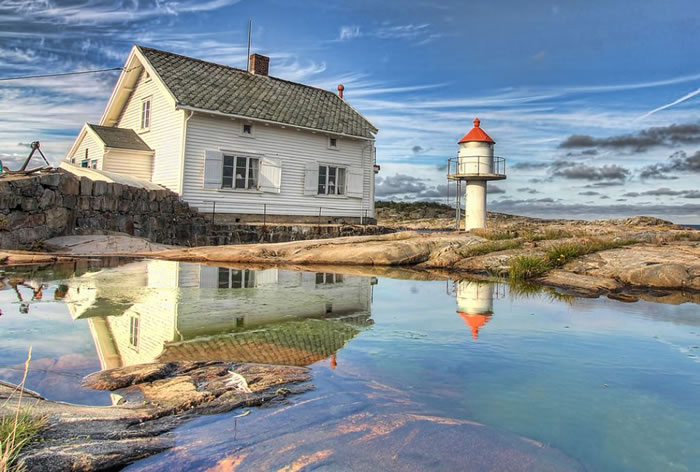 15 stangholmen lighthouse, risor - 21 Reasons To Visit Norway Before You Die