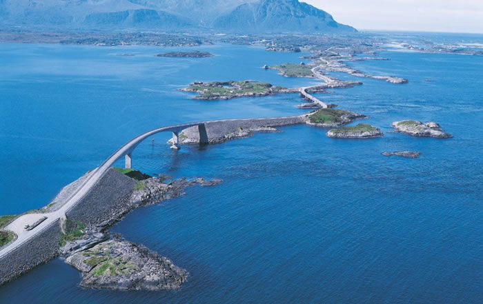 20 arctic highway - 21 Reasons To Visit Norway Before You Die