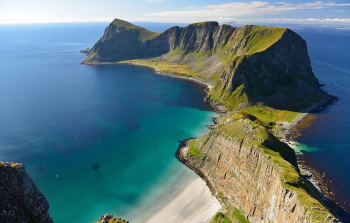 8 vaeroy coast - 21 Reasons To Visit Norway Before You Die