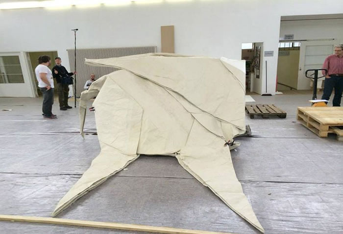 Artist Creates Life Size Elephant From Origami Paper (3)