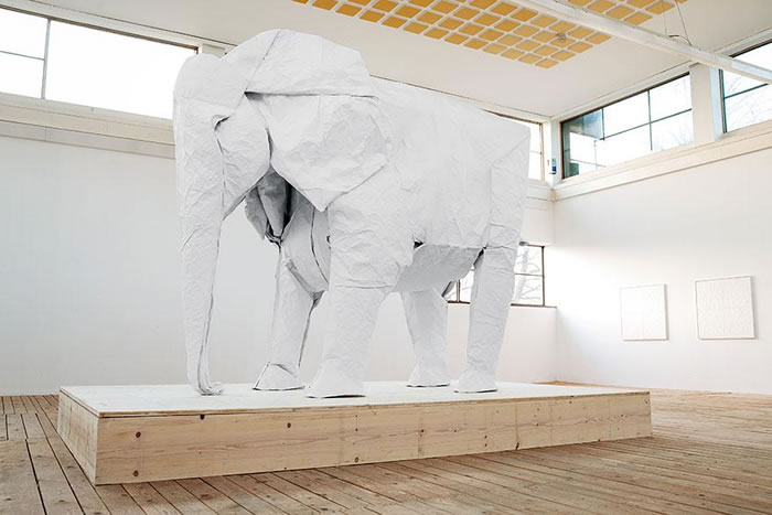 Artist Creates Life Size Elephant From Origami Paper (5)