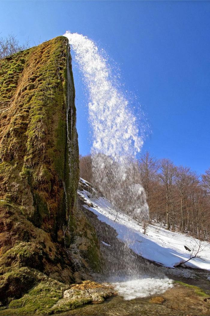Waterfall Prskalo, Serbia by iuncweb