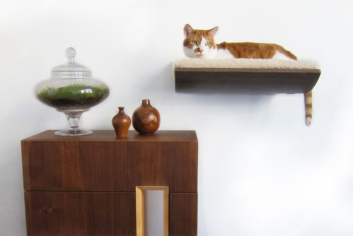 10 Creative Wall-Mounted Bed by Akemi Tanaka For Cats And Small Dogs 6