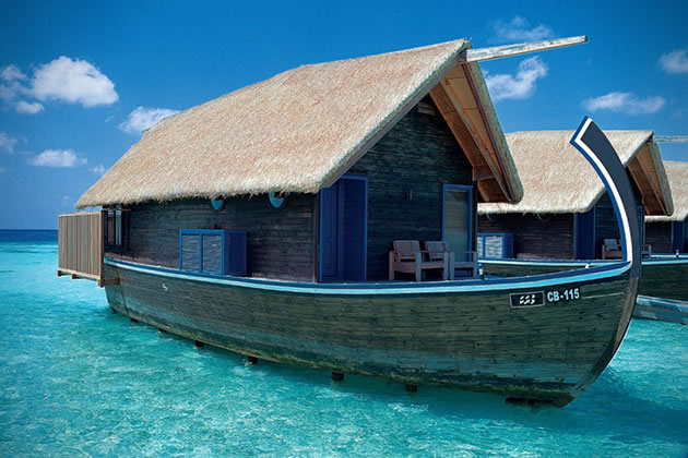 12 Overwater Bungalow Vacations You Should Take Before You Die 5