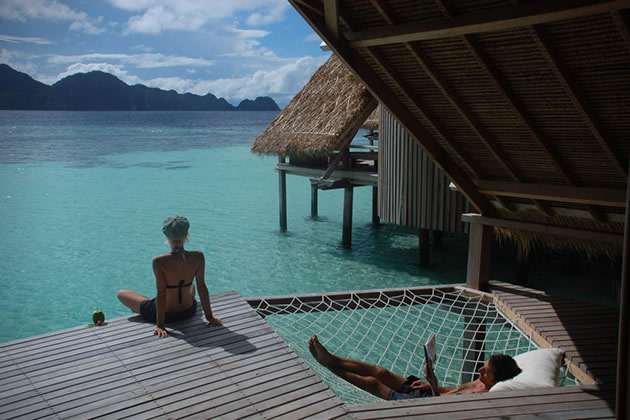 12 Overwater Bungalow Vacations You Should Take Before You Die 6