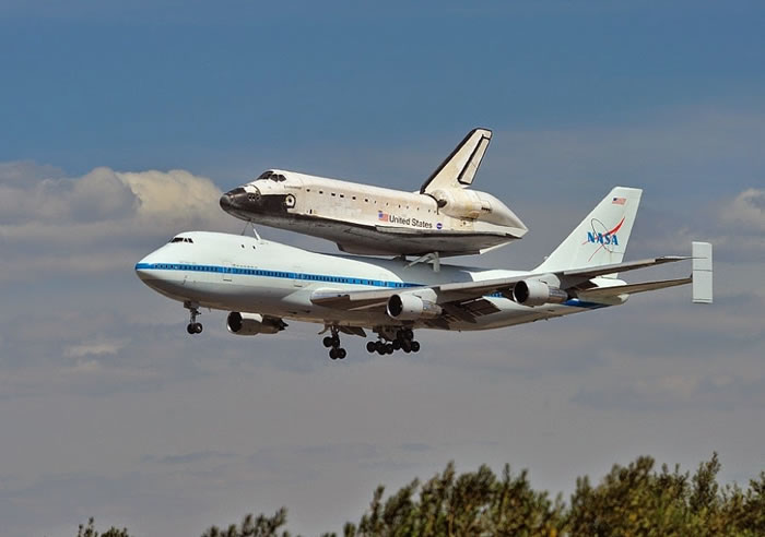 Spectacular Aviation Photography By Brent Clark - 2. Endeavour's Last Flight LAX