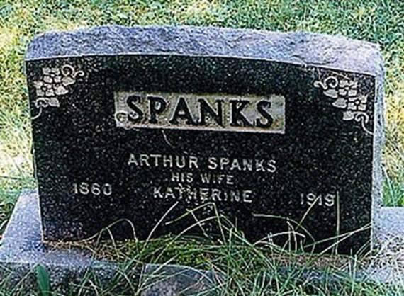 20 Of The Most Funniest Burial Headstones That people Were Buried With (19)