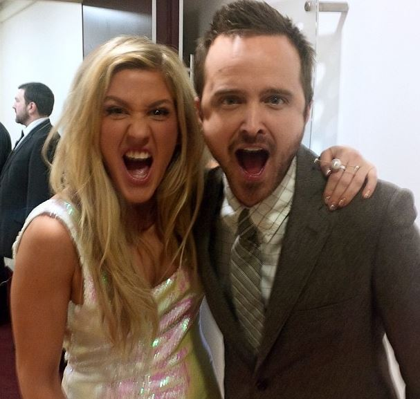 Best Photobombs Ever By Aaron Paul (7)