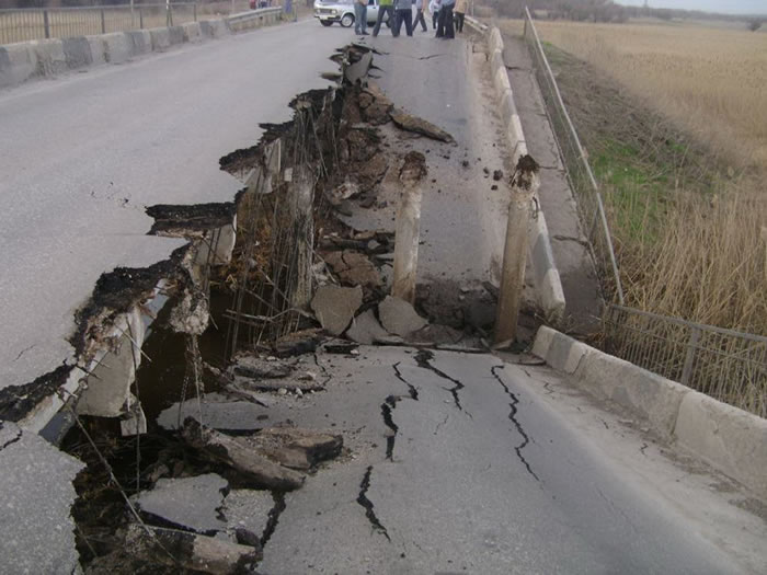 Road Collapses In front Of Motorist - Crazy Video 1
