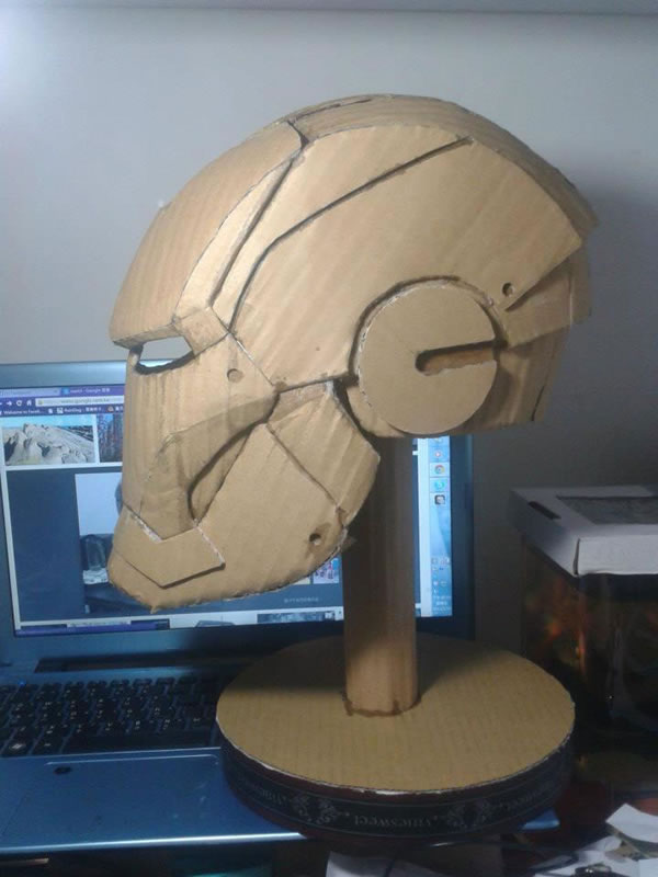 Student Builds Amazing Iron Man Costume From Cardboard 2