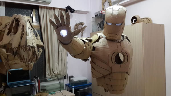 Student Builds Amazing Iron Man Costume From Cardboard 5