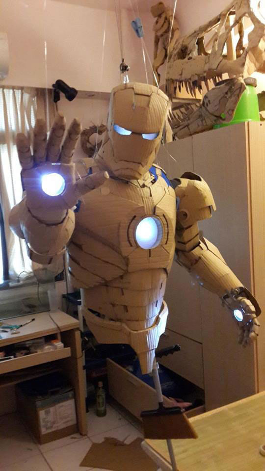 Student Builds Amazing Iron Man Costume From Cardboard 6