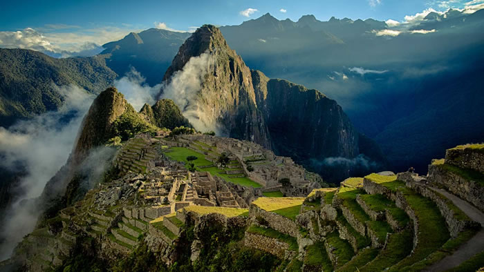 10 Breathtaking Places Around The World You Must Visit Before You Die 16
