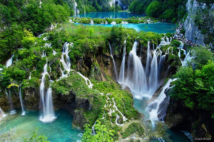 10 Breathtaking Places Around The World You Must Visit Before You Die 20