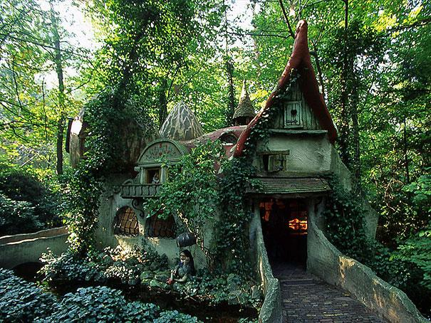 17 Amazing Real Life Fairy Tale Cottages 2
