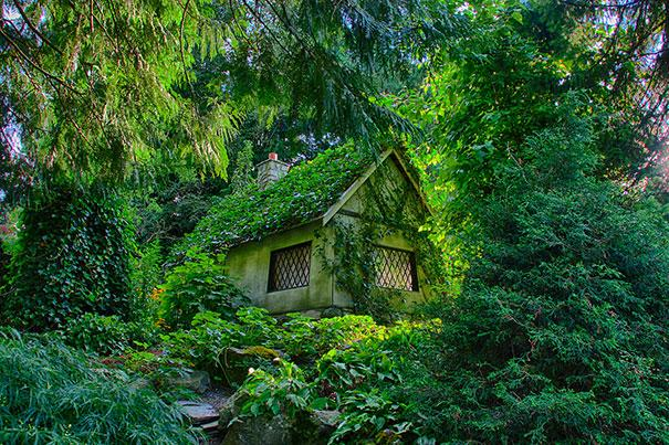 17 Amazing Real Life Fairy Tale Cottages 6