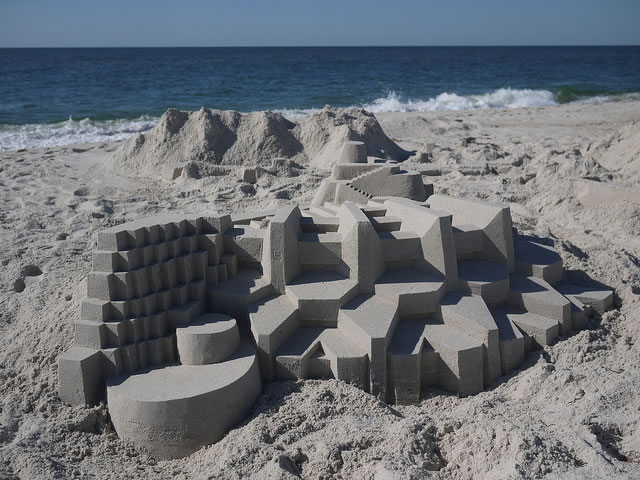 Amazing Sand Castles Turned Into Modern Art 10