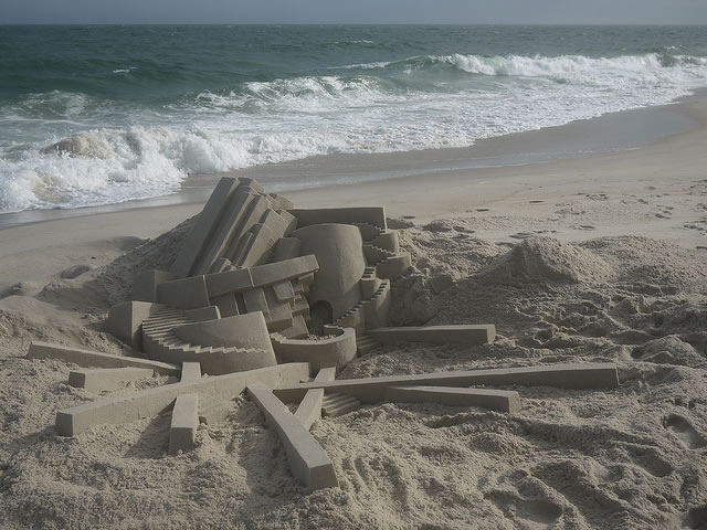 Amazing Sand Castles Turned Into Art 13