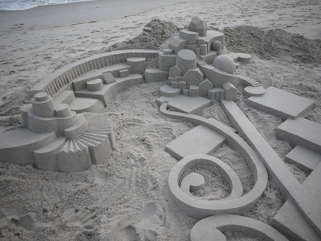 Amazing Sand Castles Turned Into Art 15