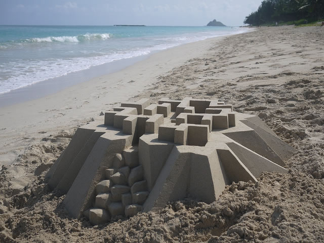 Amazing Sand Castles Turned Into Modern Art 2