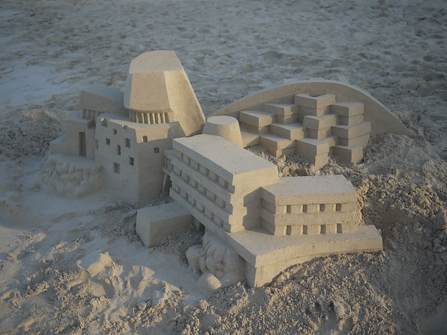 Amazing Sand Castles Turned Into Modern Art 4