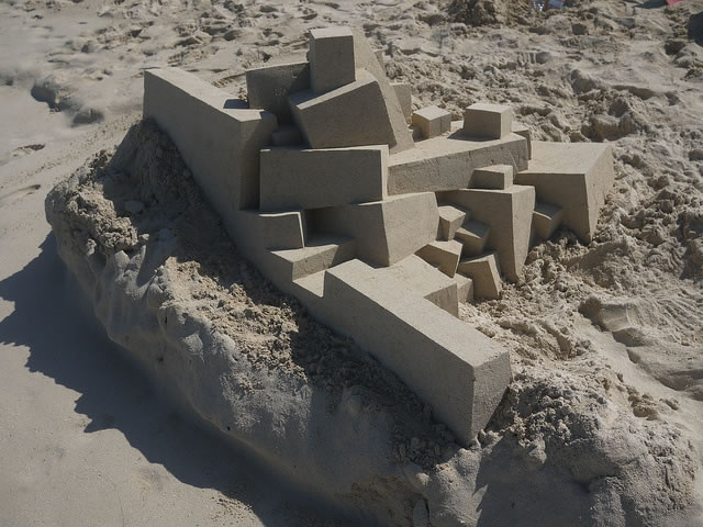 Amazing Sand Castles Turned Into Modern Art 5