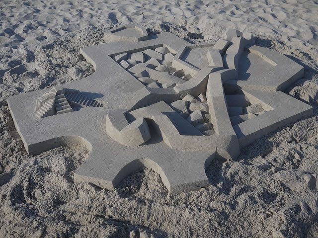 Amazing Sand Castles Turned Into Modern Art 9