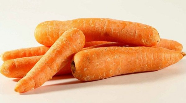 Carrots-Top-10-Healthy-Foods-List-To-Keep-You-Fit-And-In-Shape